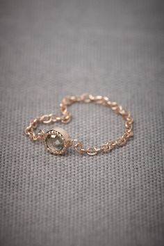 Jeweled Links Ring - I really, really like rose gold and this unique, dainty ring is so stunning! The bezel setting perfectly shows off the diamond and makes it looks much bigger than Jewelry Rings, Jewelry Accessories, Jewelry Design, Rose Gold Chain, Dainty Ring, Herkimer Diamond, Diamond Are A Girls Best Friend, Unique Rings, Colored Diamonds