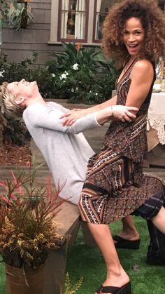 Just havin' fun! Teri Polo and Sherri Saum. The Fosters Foster Cast, Adam Foster, Foster Family, Abc Family, Movies Showing, Movies And Tv Shows, Teri Polo, Golden Brown Hair, Sex And Love