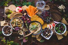 Vegaaninen snack board (V) – Viimeistä murua myöten Boards, Cheese, Snacks, Ethnic Recipes, Food Food, Planks, Appetizers, Treats