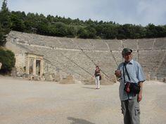 #magiaswiat #epidauros #podróż #zwiedzanie #grecja #blog #europa  #obrazy #figury #twierdza #kosciol #morze #miasto #zabytki #muzeum #teatr Louvre, Building, Travel, Blog, Europe, Viajes, Buildings, Blogging, Trips
