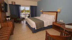 Holiday Inn Huatulco  01 (958) 583 04 33 www.HolidayInn.com/Huatulco reservaciones@hinnhuatulco.com.mx Bed, Furniture, Home Decor, Hotels, Home, Style, Homemade Home Decor, Stream Bed, Home Furnishings