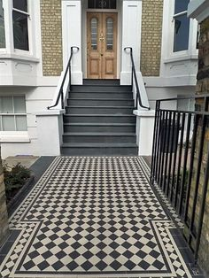 Classic Victorian Black and White Mosaic Tile Path with Slate Steps Wimbledon London - London Garden Design Front Path, Front Door Steps, Front Stairs, Porch Steps, Terrace House Exterior, Porch Tile, Tile Stairs, Hallway Flooring, Brick Steps