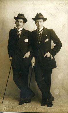 Drag kings Broncko and Bosko, 1914