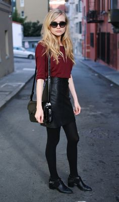 so casual yet put together- this girl is sexy, stylish, unkept yet manages to exude that drop of elegance from a bygone era... beautiful without trying. longleggedlady.com