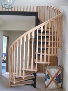 Best 71 Best Spiral Staircases Images Spiral Staircase 400 x 300