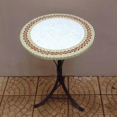Fiz esta mesa fofa d