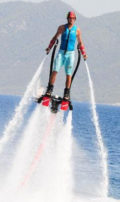 Someone please buy me a flyboard!
