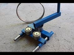 Great Idea here and will be better with electric drive. Metal Bending Tools, Metal Working Tools, Metal Tools, Metal Art, Metal Projects, Welding Projects, Homemade Tools, Diy Tools, Pliage Tole