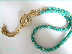 Beautiful necklace  I love pearls, I love turquoise.