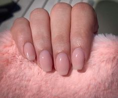 A guide to neutral nail colors neutral colors and how to choose 1 Acrylic Nail Primer, Rounded Acrylic Nails, Pink Acrylic Nails, Almond Acrylic Nails, Coffin Nails Matte, Nude Nails, Gel Nails, Neutral Nail Color, Nail Colors