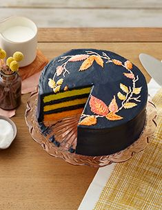Learn how to give your cake that nice, clean finish with fondant. Learn how to cover cakes and make decorations with fondant at Wilton. Icing Recipe, Frosting Recipes, Cake Recipes, Fondant Recipes, Fondant Tips, Yummy Recipes, Dessert Recipes, Cooking Recipes, Bolo Halloween