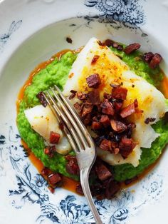 - Stekt Torsk med Chorizo og Ertepuré - Pan Roasted Cod with Crispy Chorizo and Pea Puré - add 1-2 garlic cloves when boiling water to pea puré, and serve fingerling (almond) potatoes too....