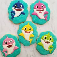 decorating baby shark cookies Source by meresquilting Shark Cupcakes, Shark Cookies, Shark Cake, Cookies For Kids, Baby Cookies, Baby Shower Cookies, Shark Birthday Cakes, Birthday Cookies, 2nd Birthday