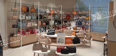Η εταιρεία μας ανέλαβε με επιτυχία την κατασκευή και την τοποθέτηση των επίπλων - εξοπλισμού για το corner με τσάντες στο Notos στην Καλαμάτα Βασιλέως Γεωργίου & πλατεία Εθνικής Αντιστάσεως.    Η KM store designαναλαμβάνει το σχεδιασμό και την επίπλωση κάθε είδους καταστήματος. Ο εξοπλισμός στα καταστήματα με τσάντεςείναι ιδιάιτερα απαιτητικός
