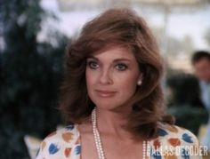 Linda Gray as Sue Ellen Ewing Serie Dallas, Dallas Tv Show, Charlene Tilton, Southfork Ranch, Victoria Principal, Linda Gray, Dramatic Classic, Classic Series, Beautiful Women Pictures