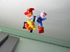 giostrina animali mobile pupazzi bébé uncinetto. €39,00, via Etsy.