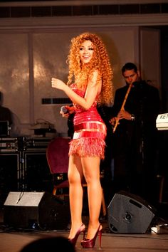 fitspo- Myriam Fares  I, WILL, have a body like that!