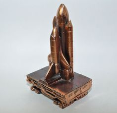 NASA US Space Camp Florida Shuttle statue metal desk paperweight launch tanks