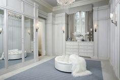 Le dressing est l'endroit parfait pour les surfaces avec miroirs