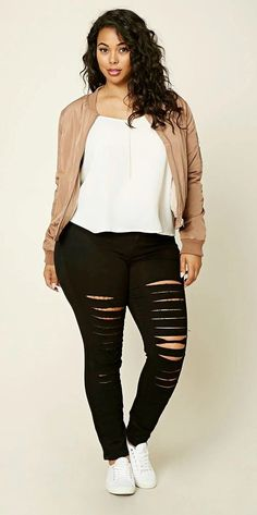 Plus Size Distressed Jeans #plussizefalloutfits