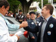 Na tarde dessa segunda (04) realizamos uma caminhada no 4º Distrito com o nosso candidato ao Governo do Estado, Deputado Vieira da Cunha. Vários companheiros juntaram-se ao movimento.