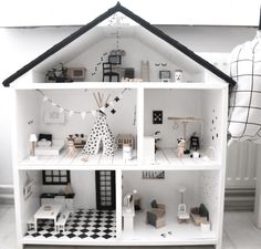 Set your own unique doll house together with .Set your own unique doll house along with this one The Effective Pictures - Ikea Dollhouse, Wooden Dollhouse, Dollhouse Ideas, Casa Polly Pocket, Doll House Plans, Barbie Furniture, Modern Dollhouse Furniture, Kids Furniture, Miniature Houses