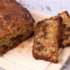 "Chocolate Chip Banana Bread II - ""This is a really rich, dessert bread. Great for quick breakfast or warm with butter as a dessert. The walnuts may be omitted if desired. Best Banana Bread, Chocolate Chip Banana Bread, Banana Bread Recipes, Chocolate Chips, Chocolate Muffins, Chocolate Cake, Vegetarian Recipes Easy, Cooking Recipes, Cooking Tips"