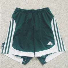 Adidas Short Green & White comfy shorts. A little above the knee Adidas Shorts