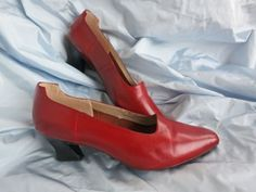 Tutorial: How to dye leather shoes & handbags   The Dreamstress