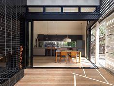 Reducción de una Casa / MAKE Architects