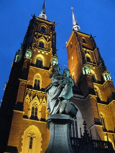 Wroclaw Beautiful Poland http://www.travelandtransitions.com/destinations/destination-advice/europe/