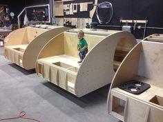 Teardrop Build Pictures: How an Oregon Trail'R Teardrop is Built. Small Camper Trailers, Off Road Camper Trailer, Airstream Trailers, Rv Campers, Travel Trailers, Teardrop Trailer Plans, Kombi Motorhome, Campervan, Teardrop Camping