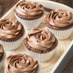 Incredibly simple 3-ingredient Nutella cupcakes topped Mein Blog: Alles rund um die Themen Genuss & Geschmack Kochen Backen Braten Vorspeisen Hauptgerichte und Desserts
