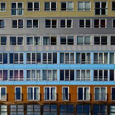 Edifício residencial Silodam em Amsterdam, Holanda. Projeto do escritório de arquitetura MVRDV. 2002.