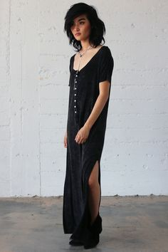 ATHENS MAXI DRESS IN BLACK - PYLO