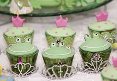 Cupcakes at a Princess and the Frog Party - Frosch Cupcakes zum Kindergeburtstag - Küss den Frosch Princesa Tiana, Disney Princess Party, Princess Birthday, Frog Princess, 5th Birthday Party Ideas, Birthday Fun, Cupcakes Princesas, Frog Cupcakes, Cupcake Party