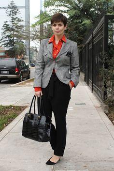 Divina Ejecutiva: Mis Looks - Pantalones Zanahoria