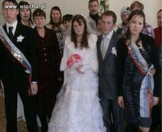 A Russian Wedding These Wedding Pictures Are Hilariously - 30 unexplainable russian wedding photos ever