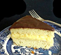 One Perfect Bite: Boston Cream Pie Sweet Recipes, Cake Recipes, Dessert Recipes, Great Desserts, Cookie Desserts, Cupcakes, Cupcake Cakes, Yummy Treats, Sweet Treats