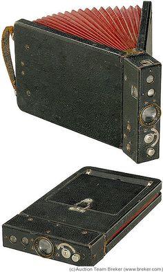 Vega: Vega c.1900's Book-style camera