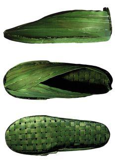 ***looks like corn*** Coconut Leaves, Eco Design, Leaf Art, Sustainable Design, Crazy Shoes, Mode Style, Bushcraft, Industrial Design, Designer Shoes