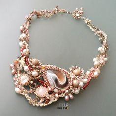 Zrozen z mořské pěny. Free form necklace