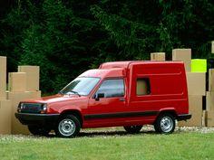 Renault Express: Super Cinq en bleu de travail !   Boitier Rouge