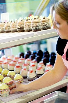 Gigi's Cupcakes - hands down the BEST cupcakes i've found thus far! Gigi's Cupcakes, Gourmet Cupcakes, Baking Cupcakes, Cupcake Shops, Cupcake Bakery, Corner Bakery, Corner Cafe, Cupcake Boutique, Bakery Business
