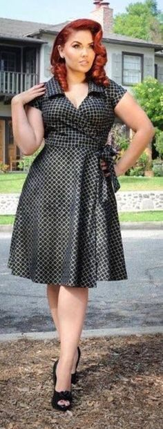Estilo pin up e retrô plus size Curvy Girl Fashion, Plus Size Fashion, Womens Fashion, Trendy Fashion, Plus Size Dresses, Plus Size Outfits, Xl Mode, Estilo Pin Up, Mode Glamour