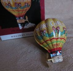 Pressed Tin Hot Air Balloon Holiday Fliers 1993 Hallmark sky aircraft ornament
