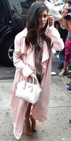 d8c43ead3e kardashian mini givenchy handbag - must have Antigona Mini, Givenchy  Handbags, Givenchy Antigona,