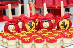 Senhora Inspiração! Blog: Chá de Bebê Para Gêmeos - Chanel & Ferrari 2 Year Old Birthday Party, Race Car Birthday, Birthday Themes For Boys, Cars Birthday Parties, Boy Birthday, Birthday Ideas, Ferrari Party, Christening Themes, Race Party