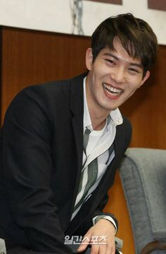 Mon bebe happy as a clam! Just how noona likes it.lol Fluttering India press con
