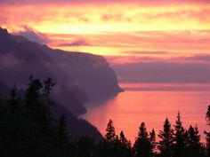 Looking for ideas of places to visit in Canada this summer? Check out the Saguenay River-Lac-Saint-Jean area.Cycle the Blueberry Route, kayak the Saguenay Fjord Parc National, Banff National Park, National Parks, Vacation Destinations, Vacation Spots, Les Fjords, Lac Saint Jean, Road Trip, Visit Canada